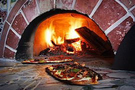 Firewood Cooking: Pizzas